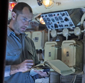 Watch The Trailer For BLACK SEA Starring Jude Law, Scoot McNairy & BenMendelsohn